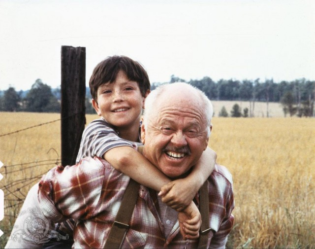 still-of-mickey-rooney-and-kelly-reno-in-o-corcel-negro-1979-e1437684792485